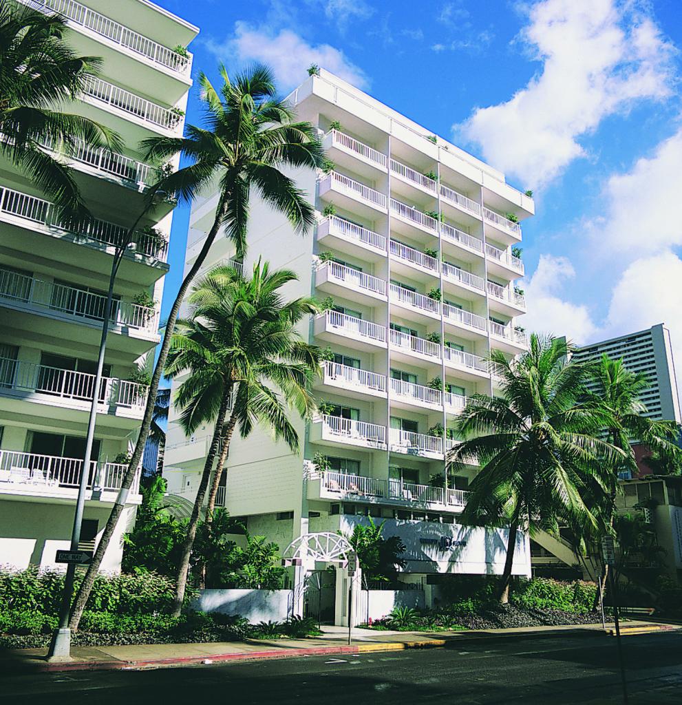 Aqua_Waikiki_Joy_Exterior_Day